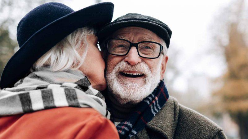 Ancianos sonriendo