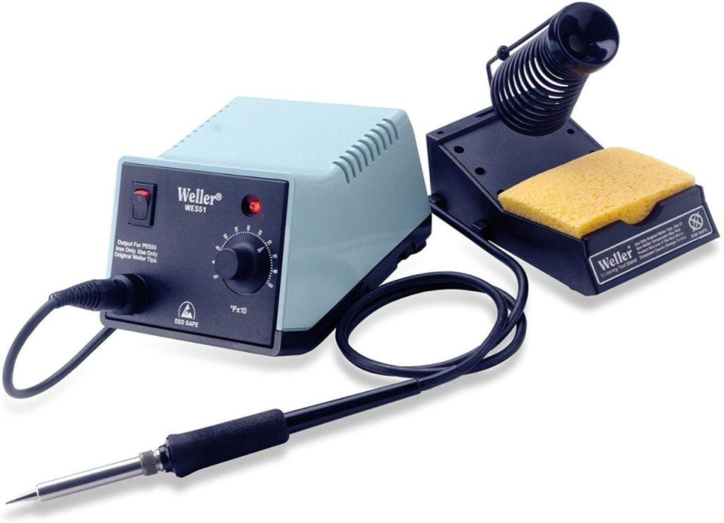 equipo de soldadora Weller y equipo medición electrónica basica