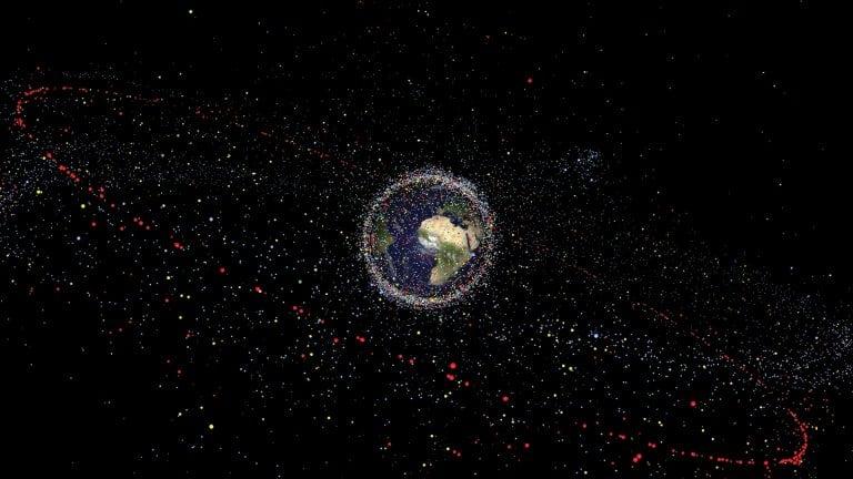 Basura espacial contaminando la órbita